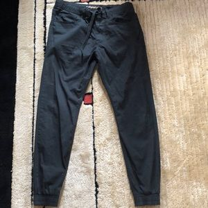 EUC  EXPRESS  Mens Slouch Jogger Jeans Size 30
